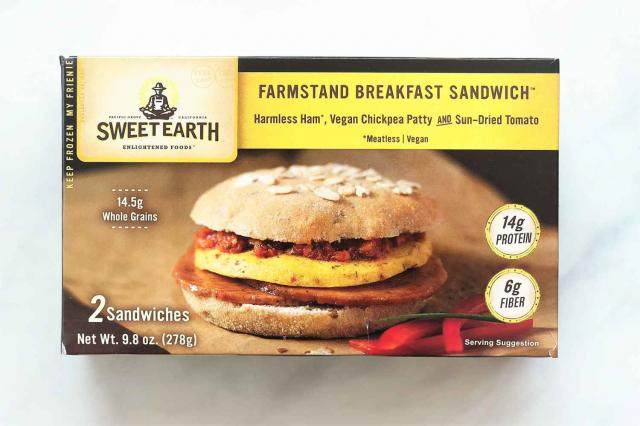 Sweet Earth Farmstand Breakfast Sandwich is a frozen vegan breakfast sandwich that gets its main sources of protein from organic