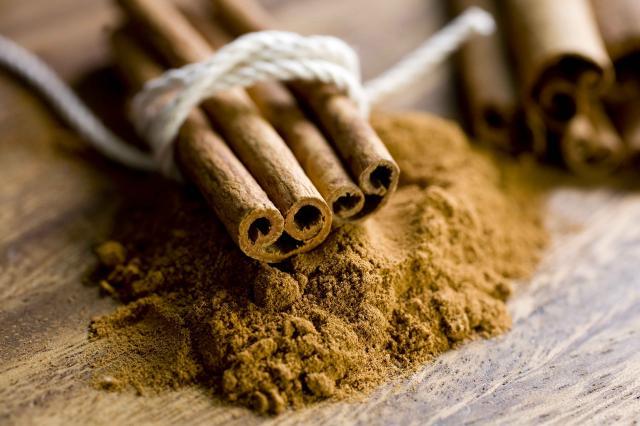 Cinnamon sticks on ground cinnamon