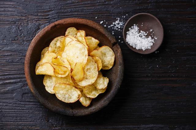 Potato chips and ??salt