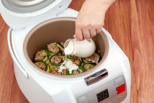 zucchini rolls in multicooker